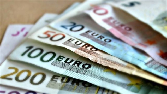 Increase in the Minimum Wage to 900€ per month